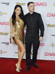 megan-rain-with-tony-rubino-jan-2016-avn-red-carpet